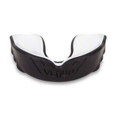 Капа Venum Challenger Черно-белая
