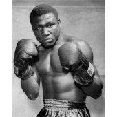 Дик Тайгер: честный, крепкий нигериец, который шел за своей мечтой. Умер от рака.